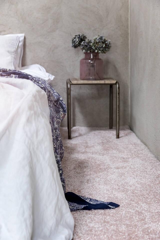 Avlång rosa shaggy piramit 3.5 kg - Matta i sovrum.