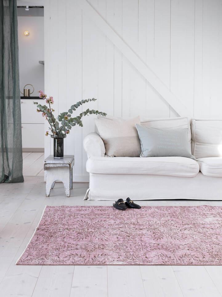 Rosa colored vintage - Matta i vardagsrum.