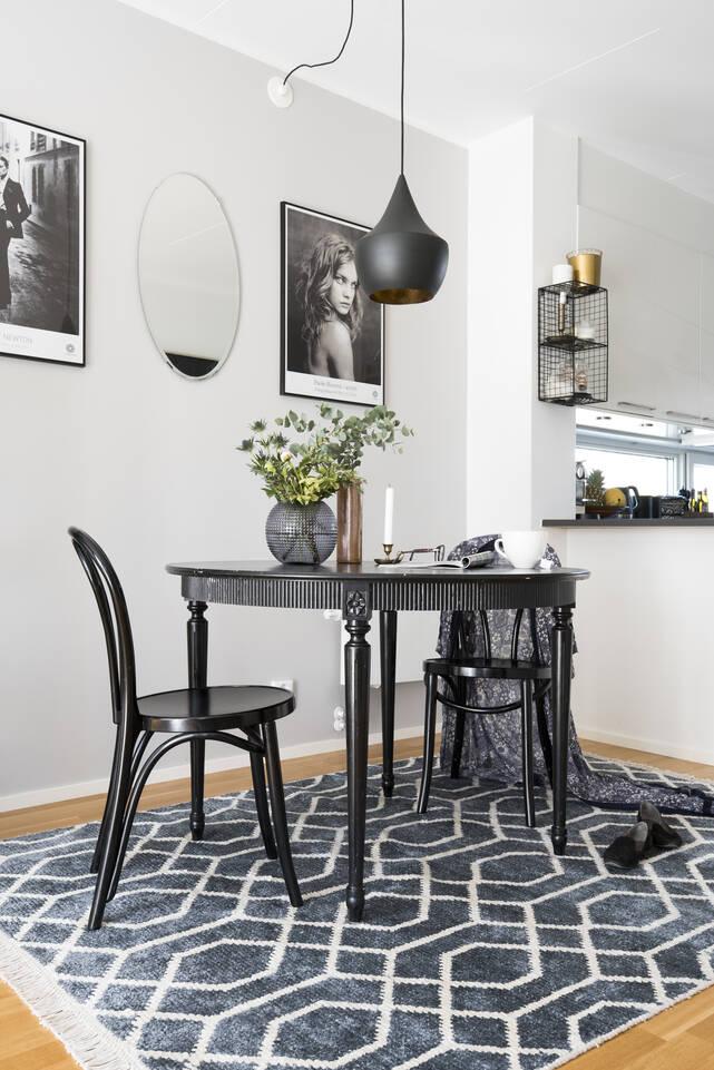 Musta / harmaa  bamboo silkki handloom - matto ruokasali.