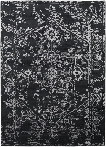 Antique Persian - Black carpet CVD18904